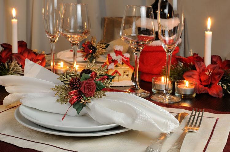 christmas-table-setting-750
